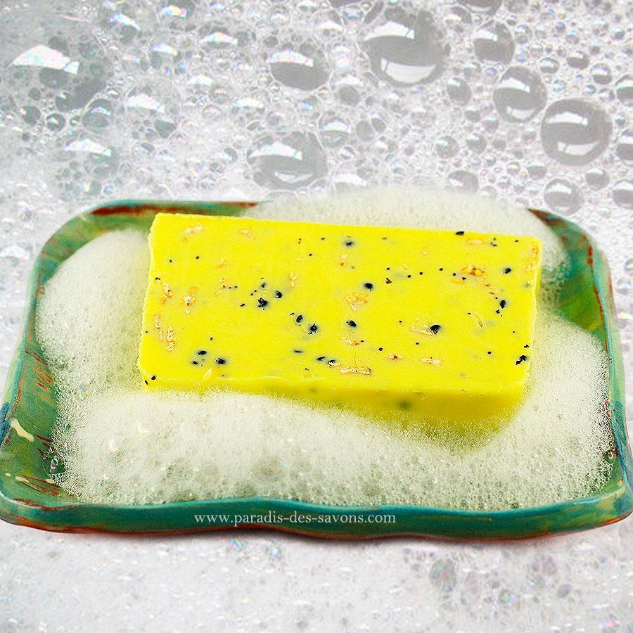 Savon anticellulite sur porte savon