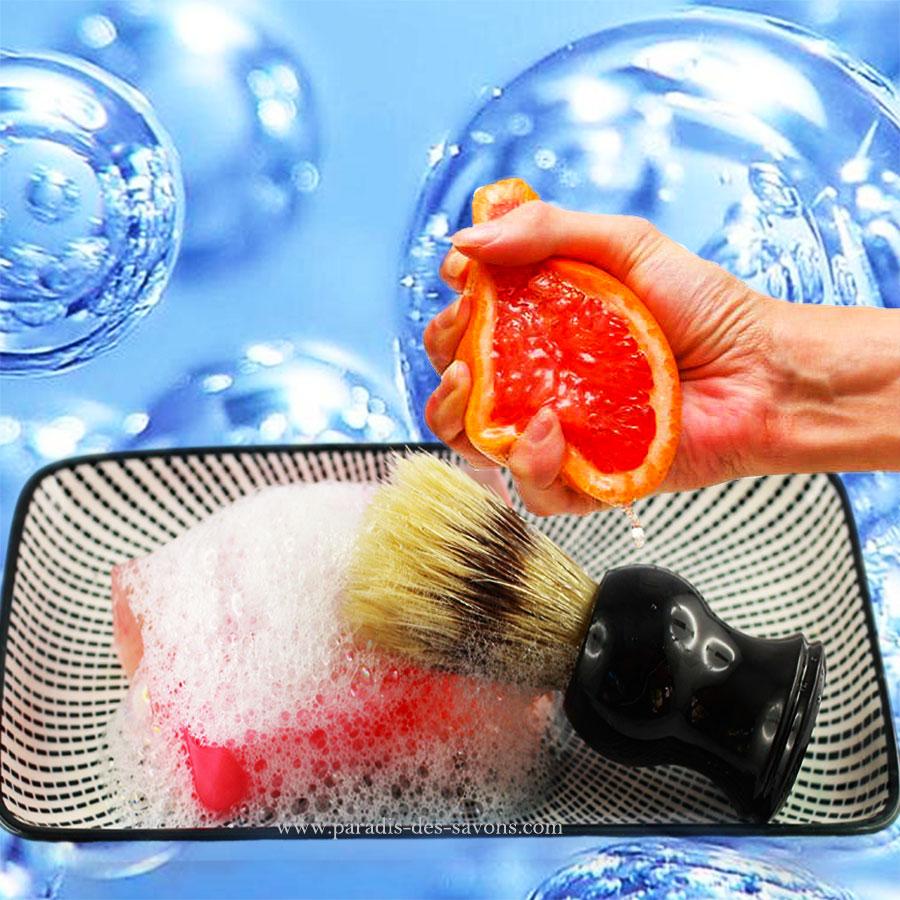 Blaireau et savon à barbe