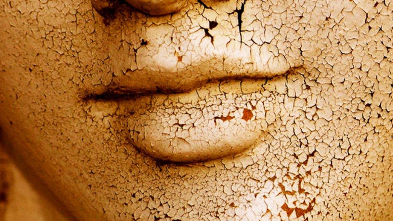 (Français) La peau sèche et sensible. Comment soigner la peau sèche.