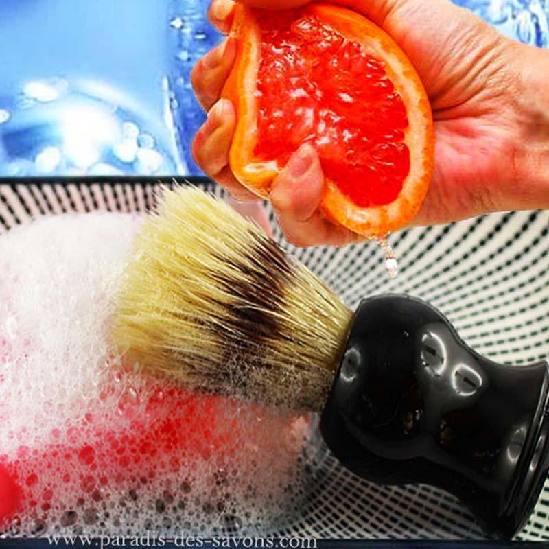 Savon de rasage avec blaireau